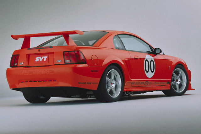 ford mustang history 2000 3