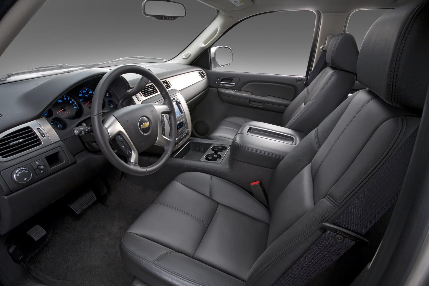 view prices tahoe and door angular front ratings photos overview review connection l chevrolet car the specs lt chevy exterior