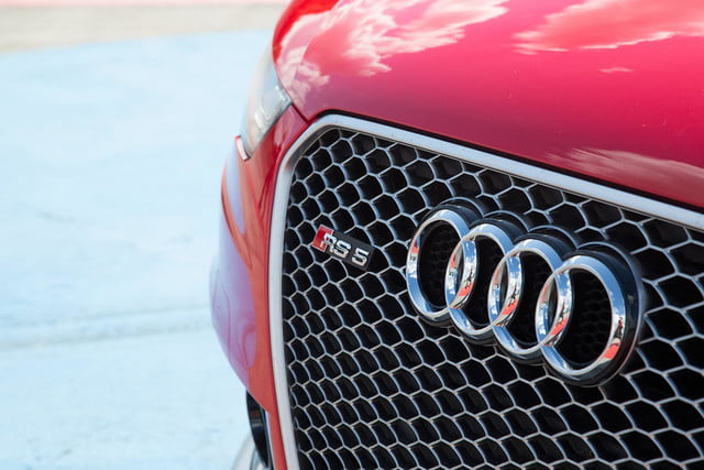 2014 Audi RS 5 Cabriolet grill macro