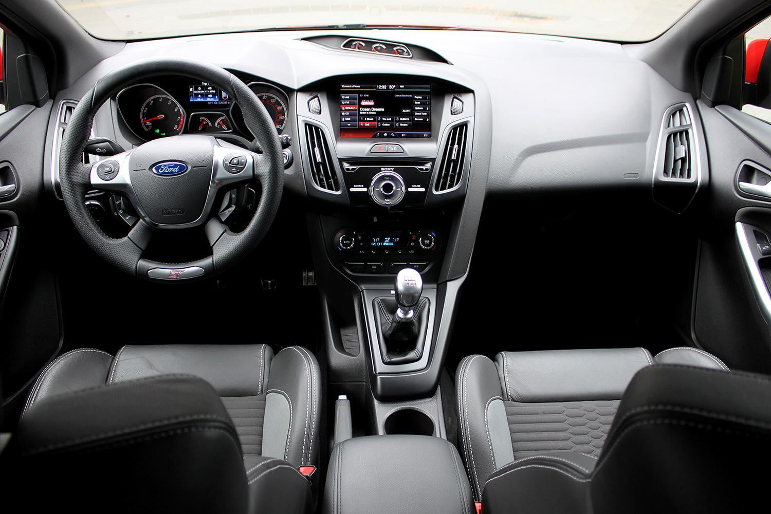 2014 Ford Focus Interior >> 2014 Ford Focus St Review Digital Trends