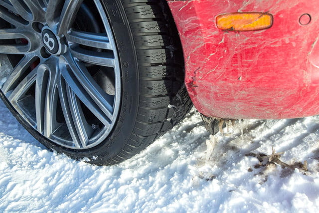 2014 Bentley Continental GT Speed tire angle