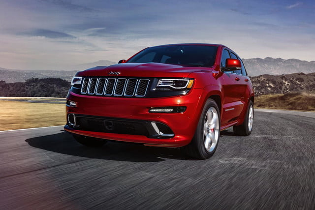 2014-Jeep-Grand-Cherokee-SRT-bottom-front