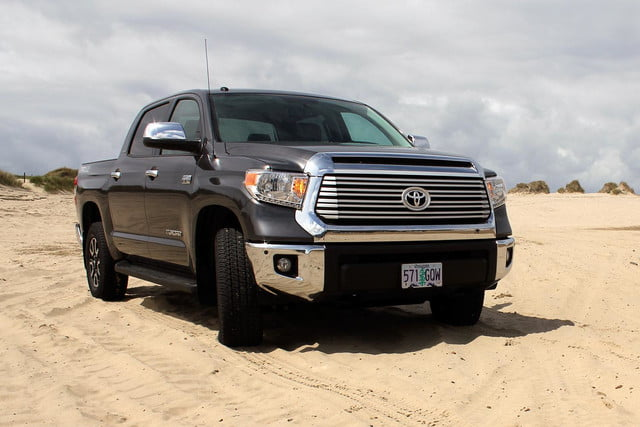 2014 toyota tundra review front angle 3