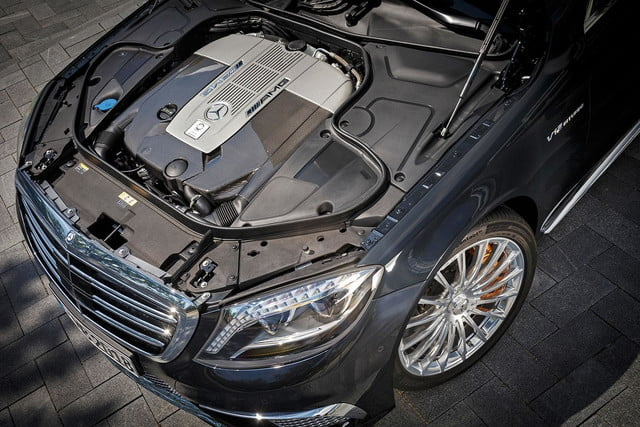 2015 Mercedes_Benz S65 AMG engine top view