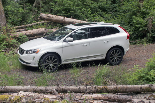 2015 Volvo XC60 Right Side 2
