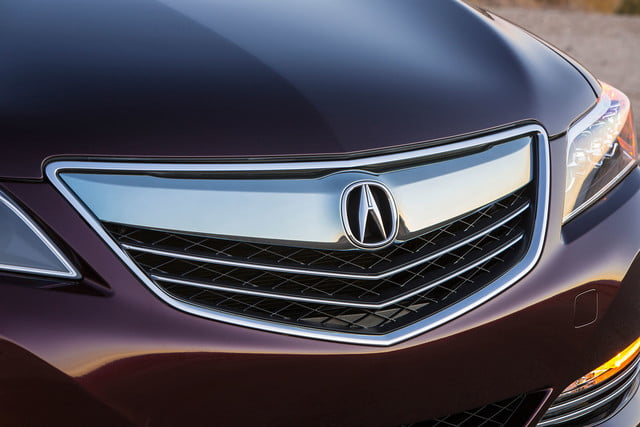 2016 Acura RLX Sport Hybrid front grill