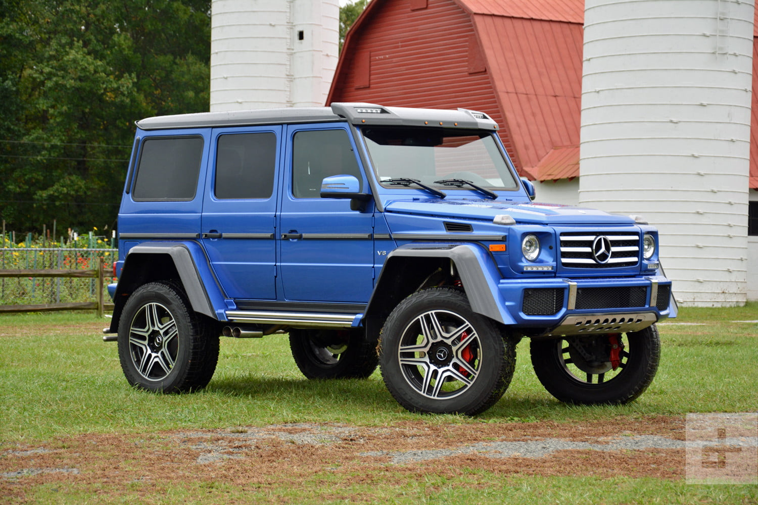 mercedes benz g550 4x4 review pics performance specs digital trends. Black Bedroom Furniture Sets. Home Design Ideas