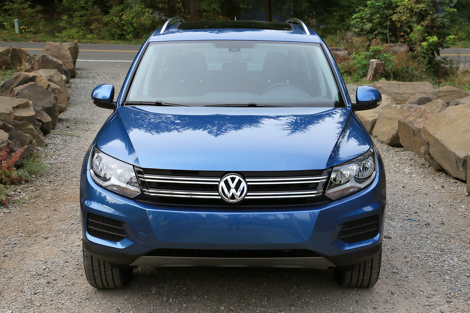 first drive 2017 volkswagen tiguan 2 0t wolfsburg edition digital trends. Black Bedroom Furniture Sets. Home Design Ideas