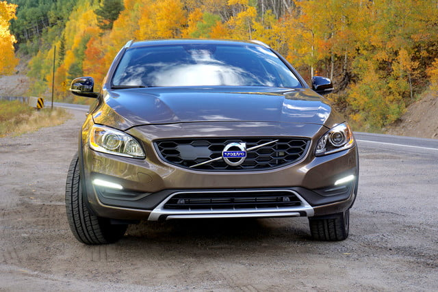 2017 volvo v60 cross country first drive front