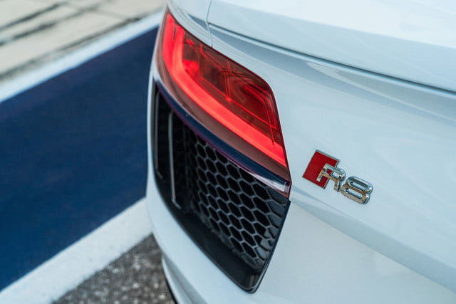 2018 audi r8 v10 coupe rws s tronic review 17