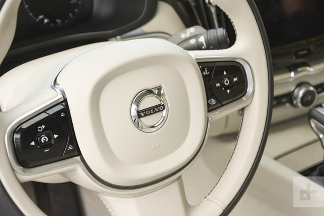 Closeup of the 2018 Volvo XC60's steering wheel.