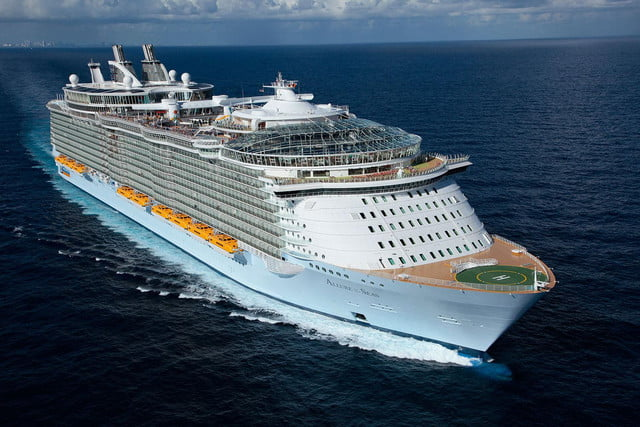 The Worlds Largest Cruise Ships Are Less Like Vessels More Like - Awesome cruise ships