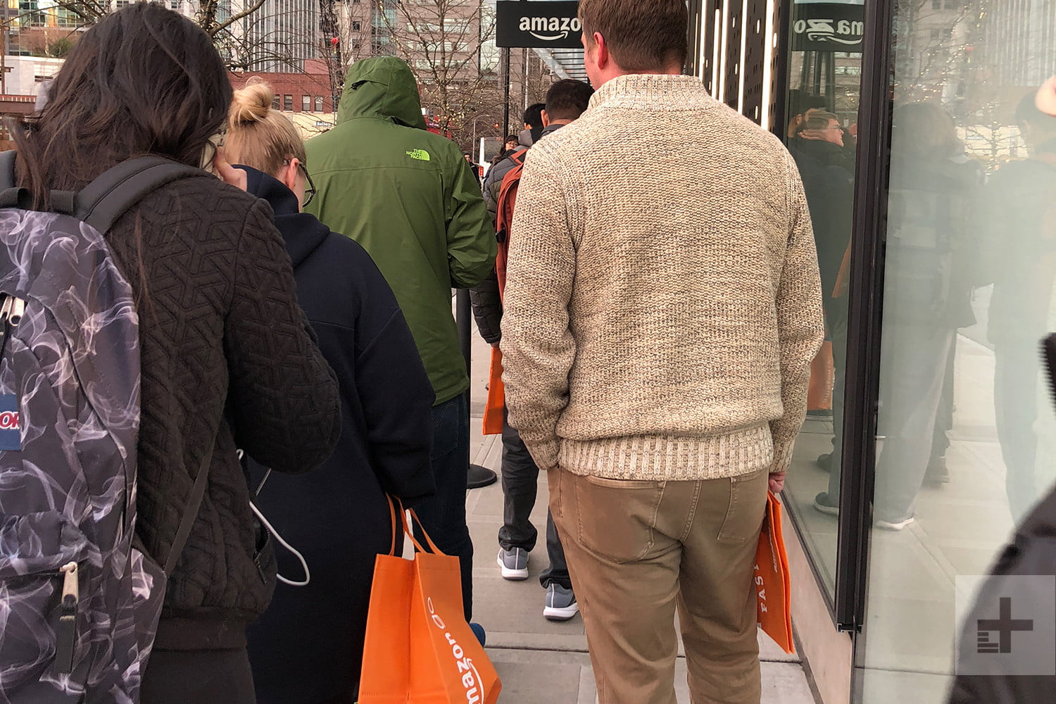 What S It Like To Shop At Amazon Go S Cashier Free Store Digital