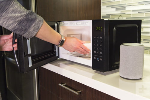 How to Clean a Microwave Safely and Correctly | Digital Trends