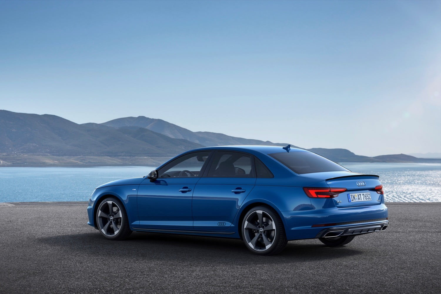 2019 audi a4 gets minor styling tweaks to keep it looking. Black Bedroom Furniture Sets. Home Design Ideas