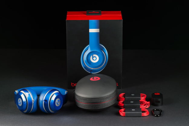 Beats Studio Wireless review out of box
