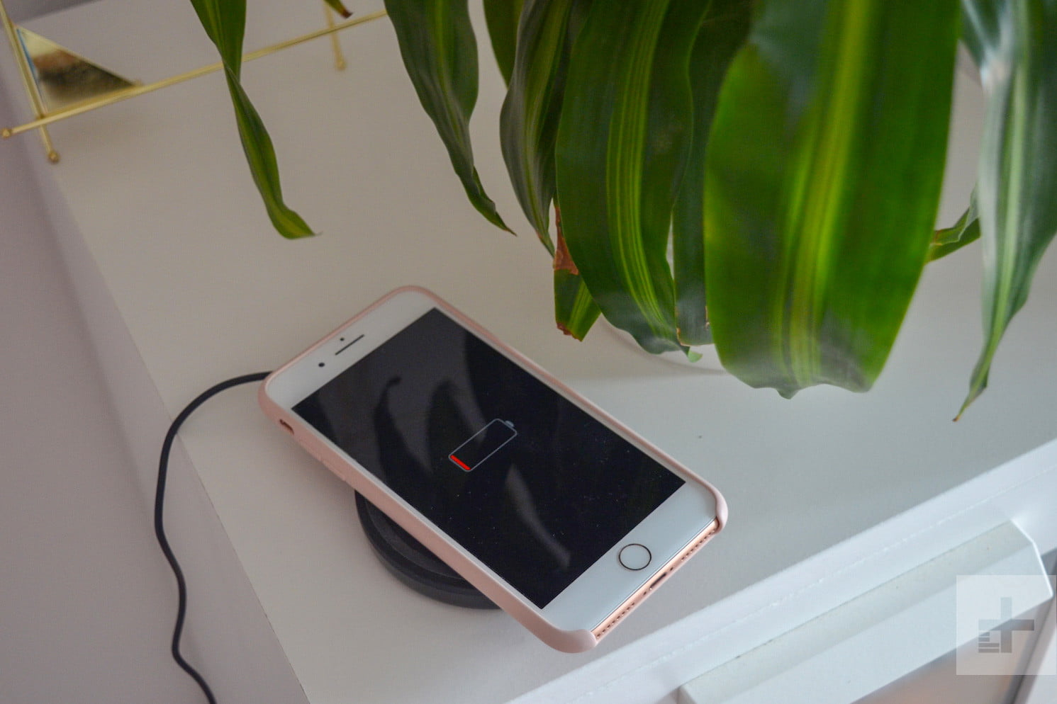 Mophie Vs Belkin Vs Anker Vs Iottie Finding The Best Wireless Charging Pad For Iphones Wireless charging has been around for years, but apple only recently added the technology. yahoo