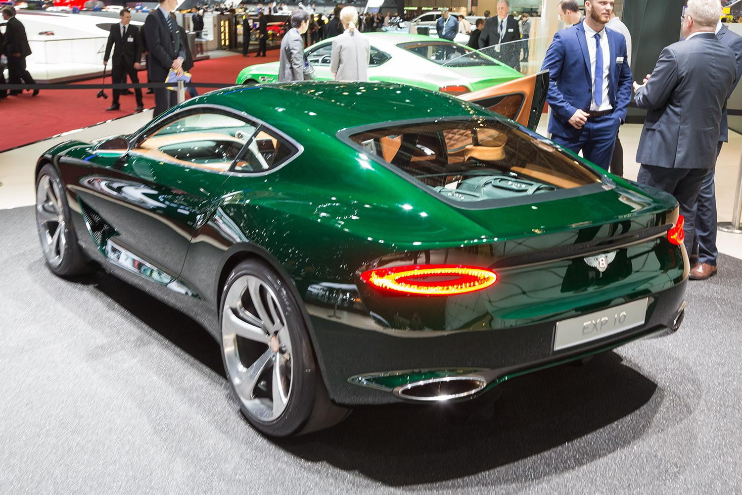 bentley exp 10 speed 6 concept official specs and pictures digital trends. Black Bedroom Furniture Sets. Home Design Ideas