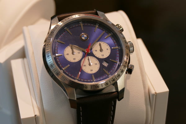 fossil bmw smartwatch news chrono 1