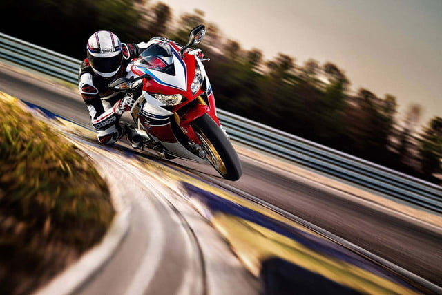 The Fastest Motorcycles in the World | Pictures, Specs, and