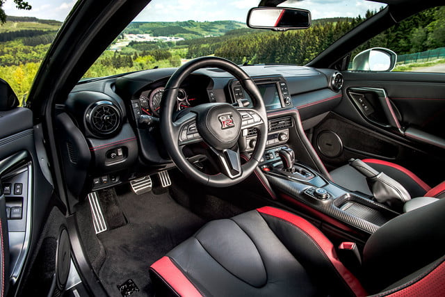 2017 nissan gt r first drive 0011