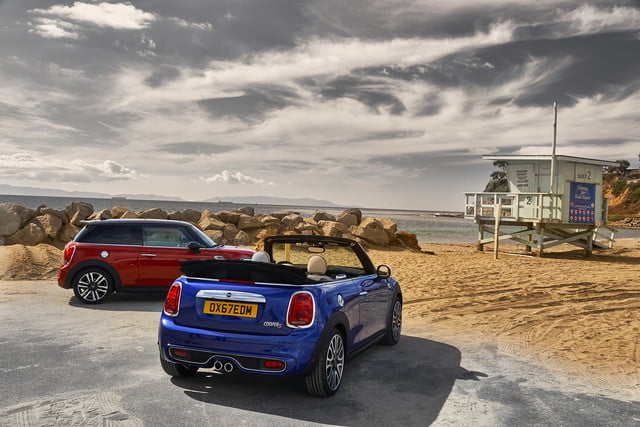 mini refreshes cooper 2 4 door hardtop and convertible for detroit 2018  14