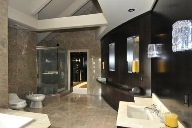 50 cent filed for bankruptcy still has his 52 room mansion bathroom