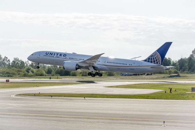 United Airlines Boeing 78709