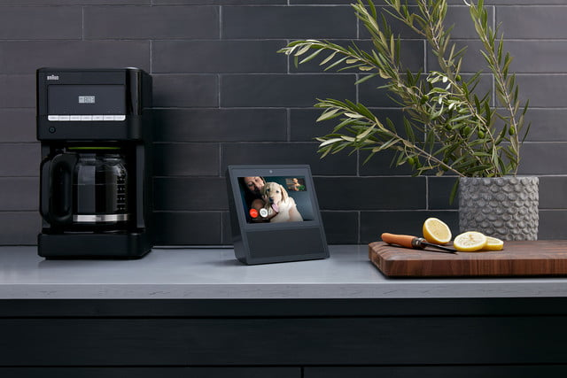 echo show speaker amazon  black counter