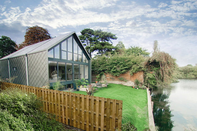 a hydraulic greenhouse rises off the ground during floods amphibious house  baca architects 20