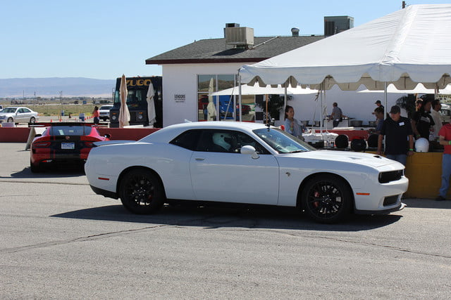 2015 dodge charger challenger srt hellcats track review and hellcat on side full