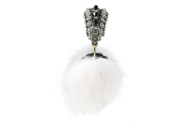 rihanna sells out 9000 dollar dolce gabanna headphones gabbana frends white fox fur