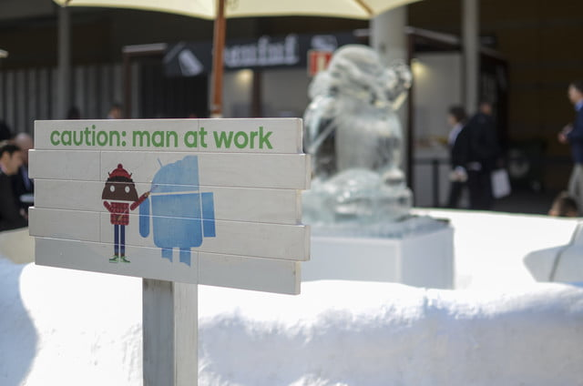 android global village mwc 2017 ice sculpture
