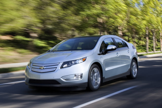 11 cars that will go extinct in 2016 first generation chevrolet volt