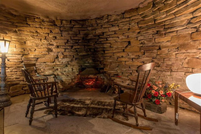 hobbit style home goes up for sale in england hobbithouse 07