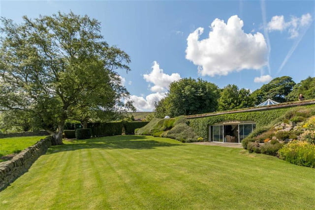 hobbit style home goes up for sale in england hobbithouse 12