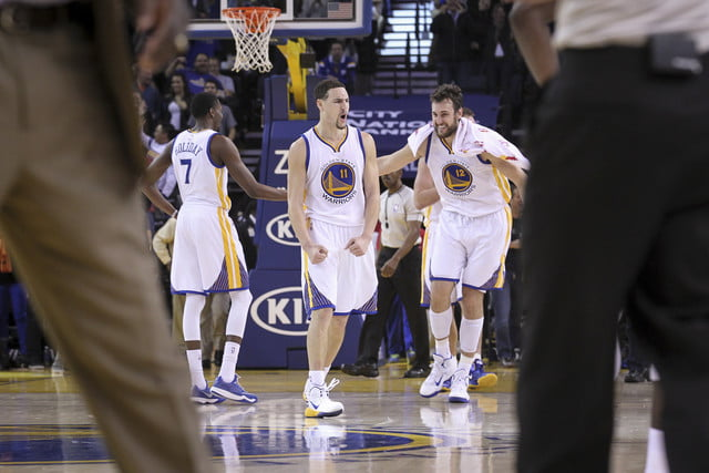nba photographer jack arent klay thompson reacts during his record 37 point quarter