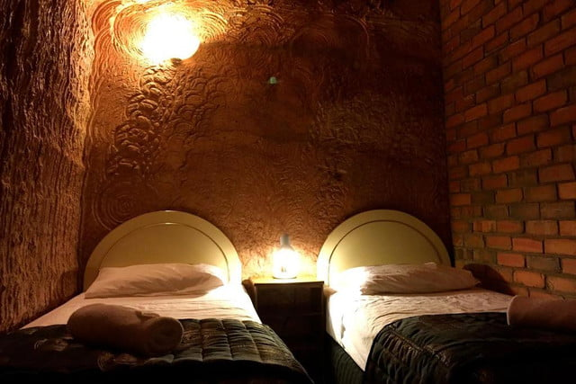 coober pedys residents live in underground dugouts lookout cave motel 0013