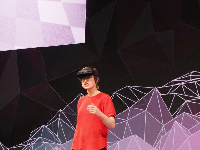 hololens 2 news roundup demo mwc 2019