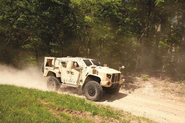 oshkosh 6 75b military contract pictures specs news jltv 009