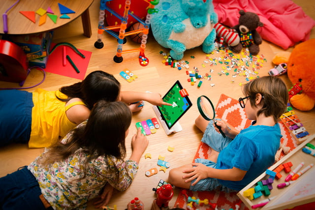 osmo coding kit group messy floor