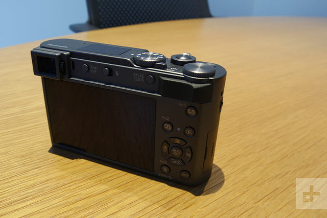 Tiny Panasonic ZS200 Reaches Farther, Shoots Closer With New