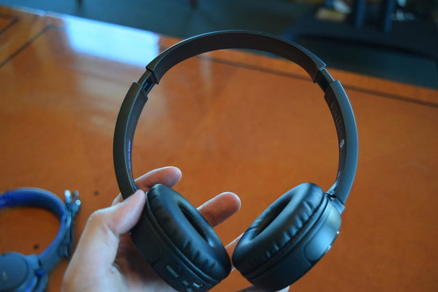 Sony MDR ZX330BT hands on 7