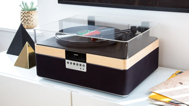 plusaudio therecord player turntable the record maple lifestyle 2 1180x 2x