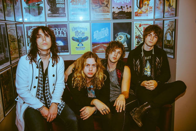 interview the struts embrace streaming thestruts fb 010