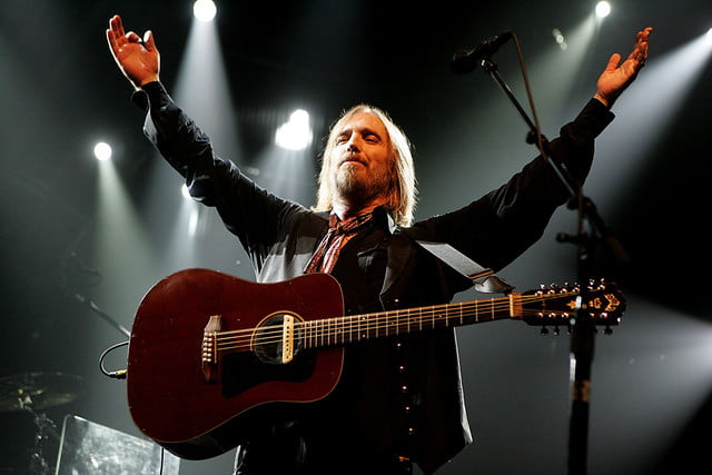 Tom Petty hands up