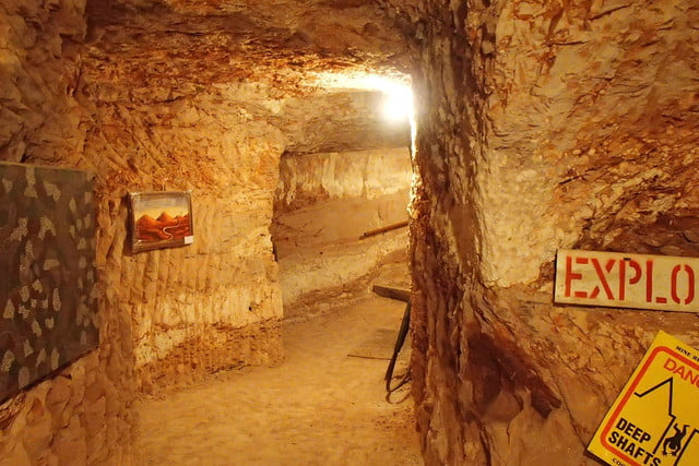 coober pedys residents live in underground dugouts umoona opal mine and museum 002