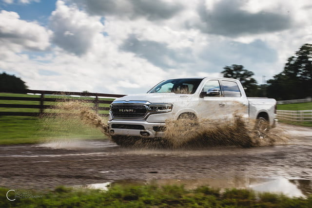 ram 1500 etorque 2019 mpg combustible first drive review 5 700x467 c