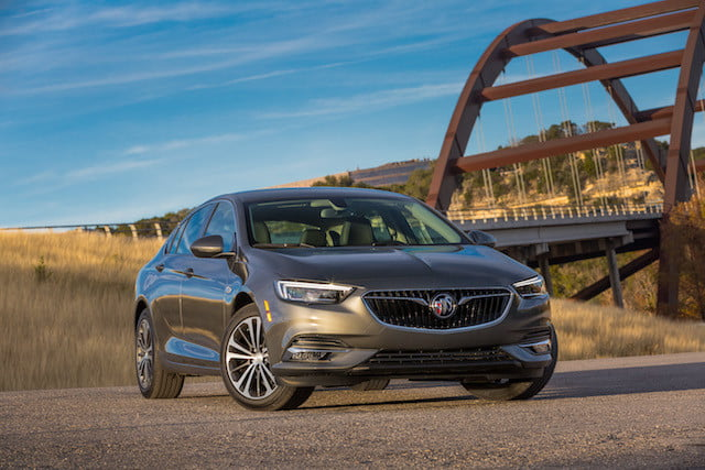 buick regal sportback 2018 19