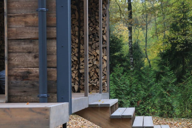 russian cabin built in just 10 days dubldom exterior 4